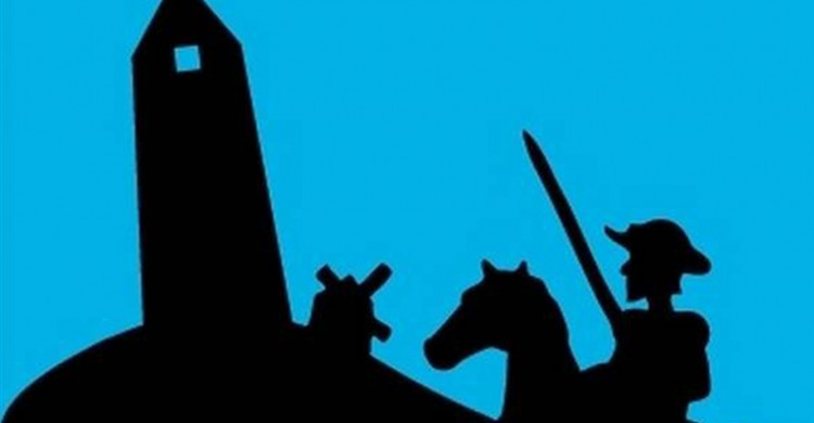 Un Quijote contra el Obelisco y un molino de viento./Ana Vargas/ Clarín.